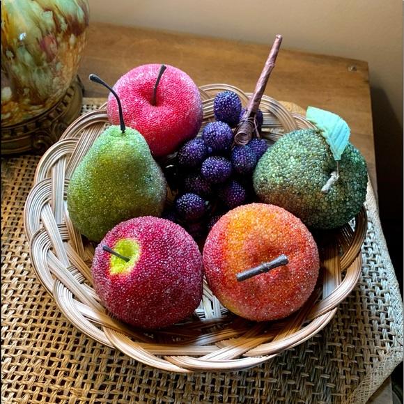 🦋2/$10 3/$15 4/$18 5/$20 Vintage Beaded Fruit